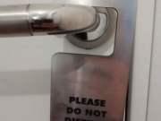 proizvodi-od-klirita-pk-hengeri-za-vrata-obavestenje-za-vrata.jpg
